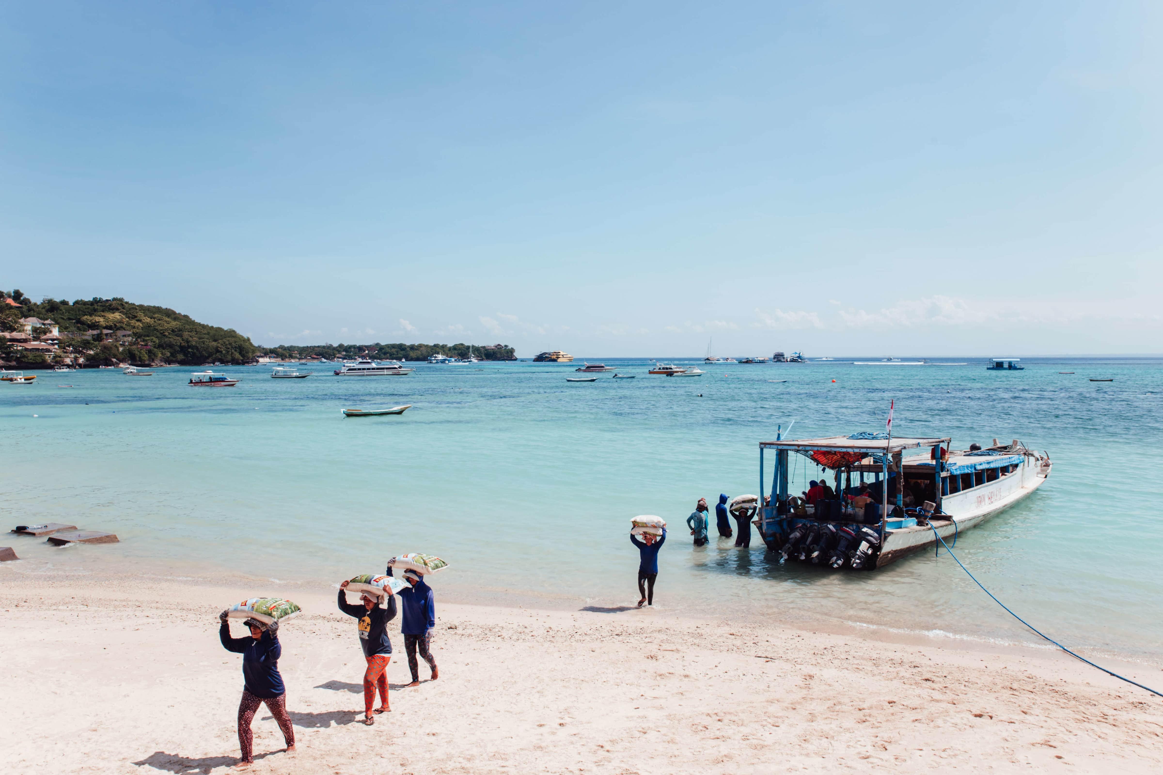 Bali-beach-women-working