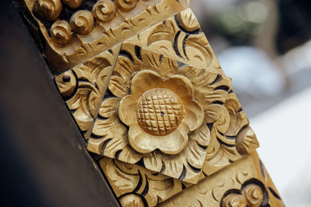 Bali-decor-wood-gilded