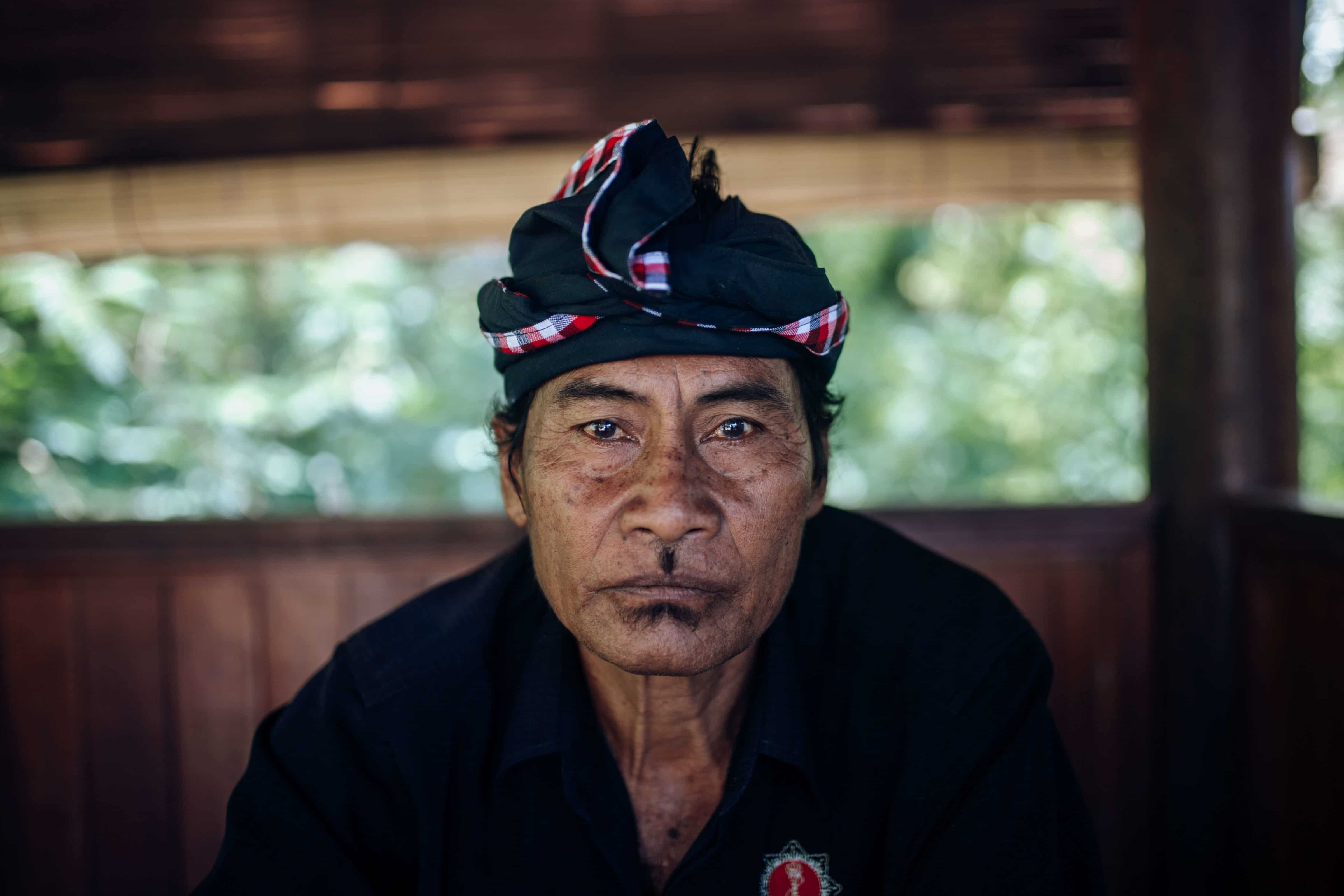 Travel photography Bali - Uluwatu - Temple ticket seller