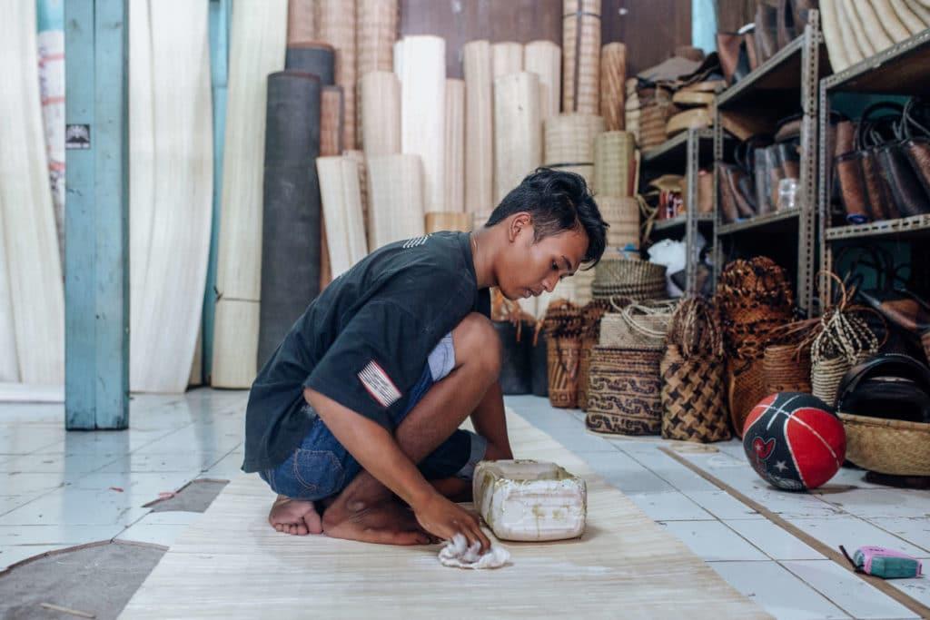 Travel photography Bali - Ubud Market - Straw bag shop