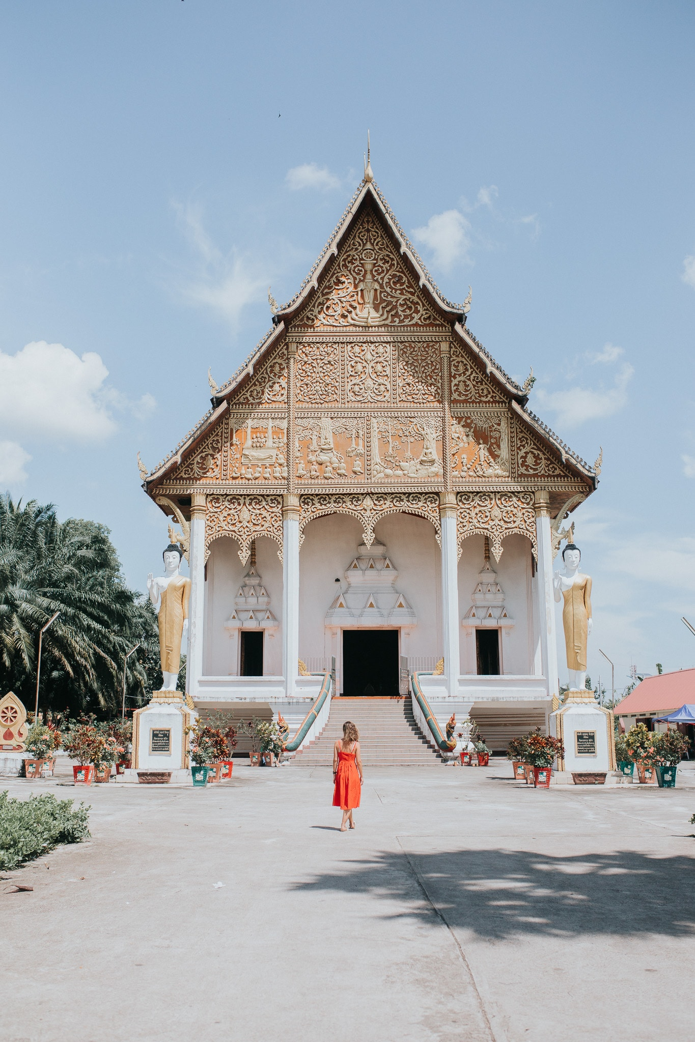 One week in Laos – Vientiane – Buddhist temple