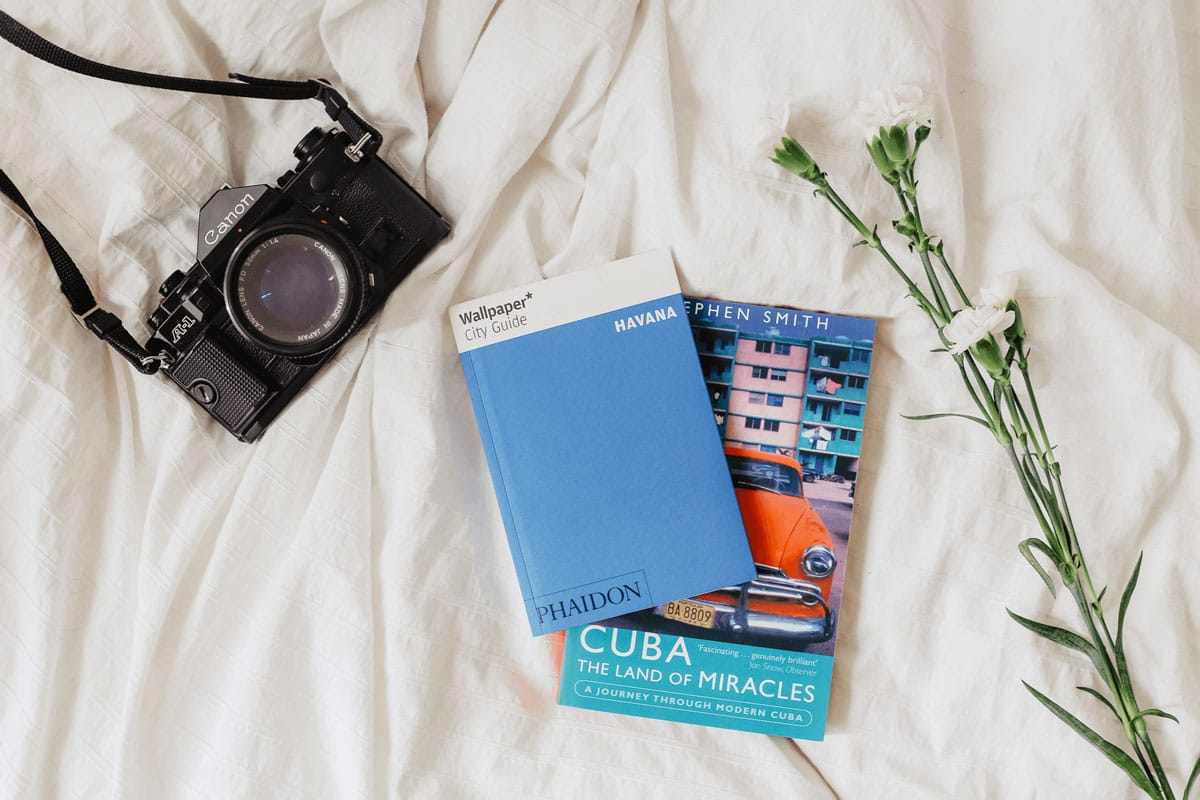 Ten easy steps on how to prepare your trip when you fly abroad - Canon A-1