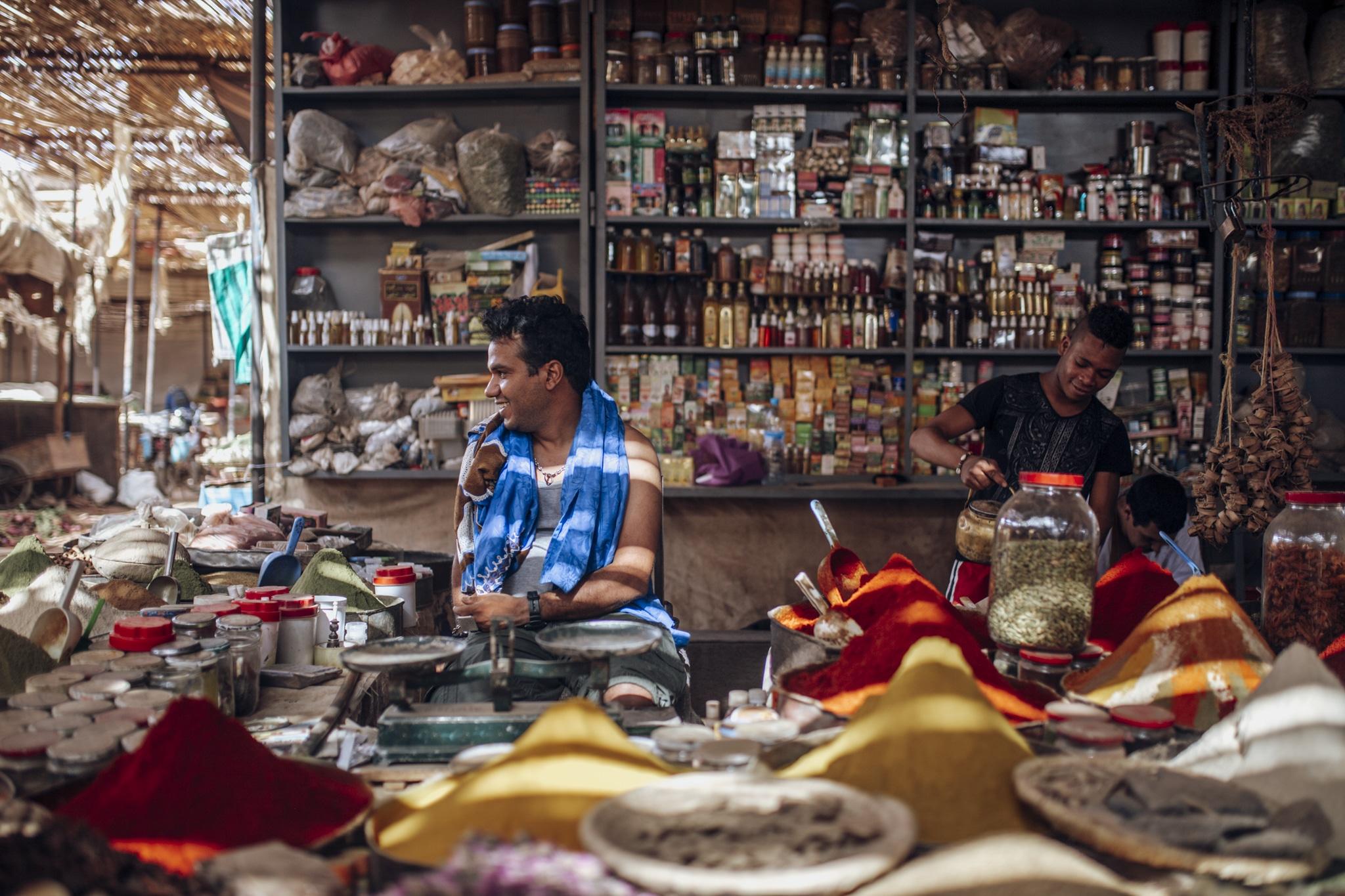 Market in Rissani - Smiling vendor
